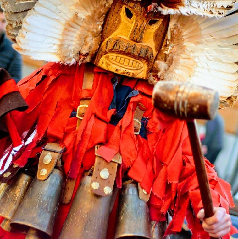 фестиваль кукеры сурва болгария